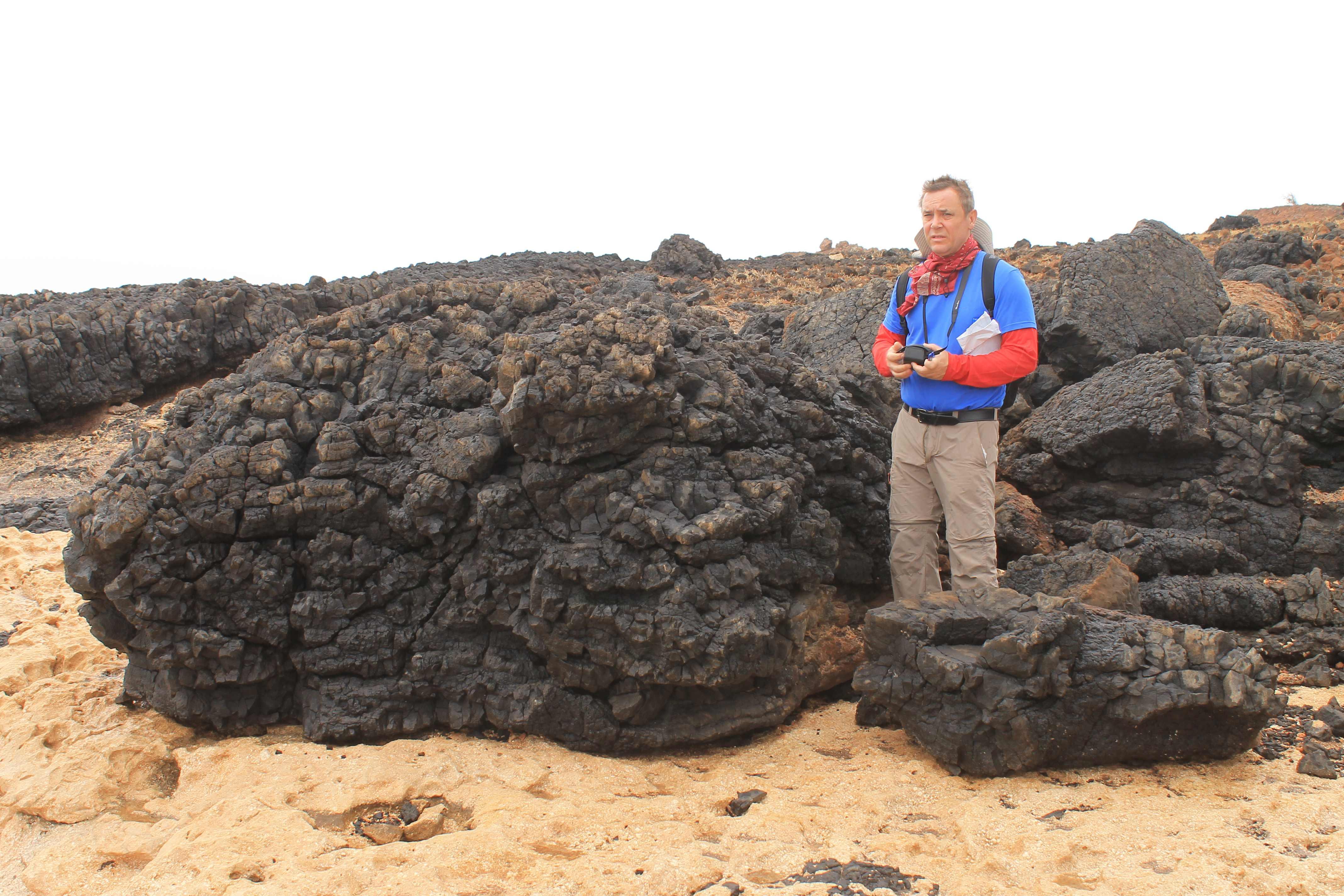 Pilow-basalt-above-marine-scarbonatesuccession_a_2