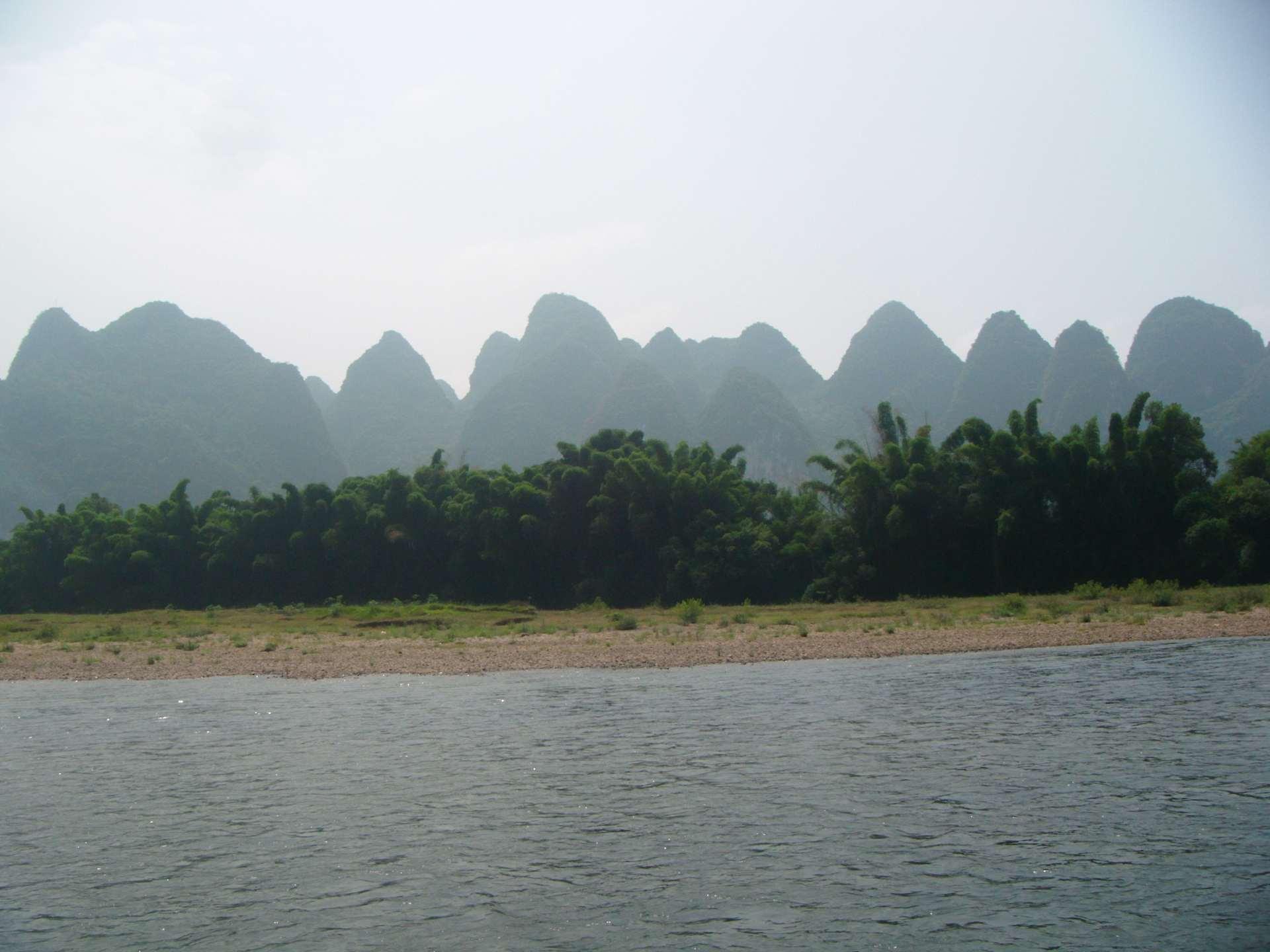 Li-river-bank