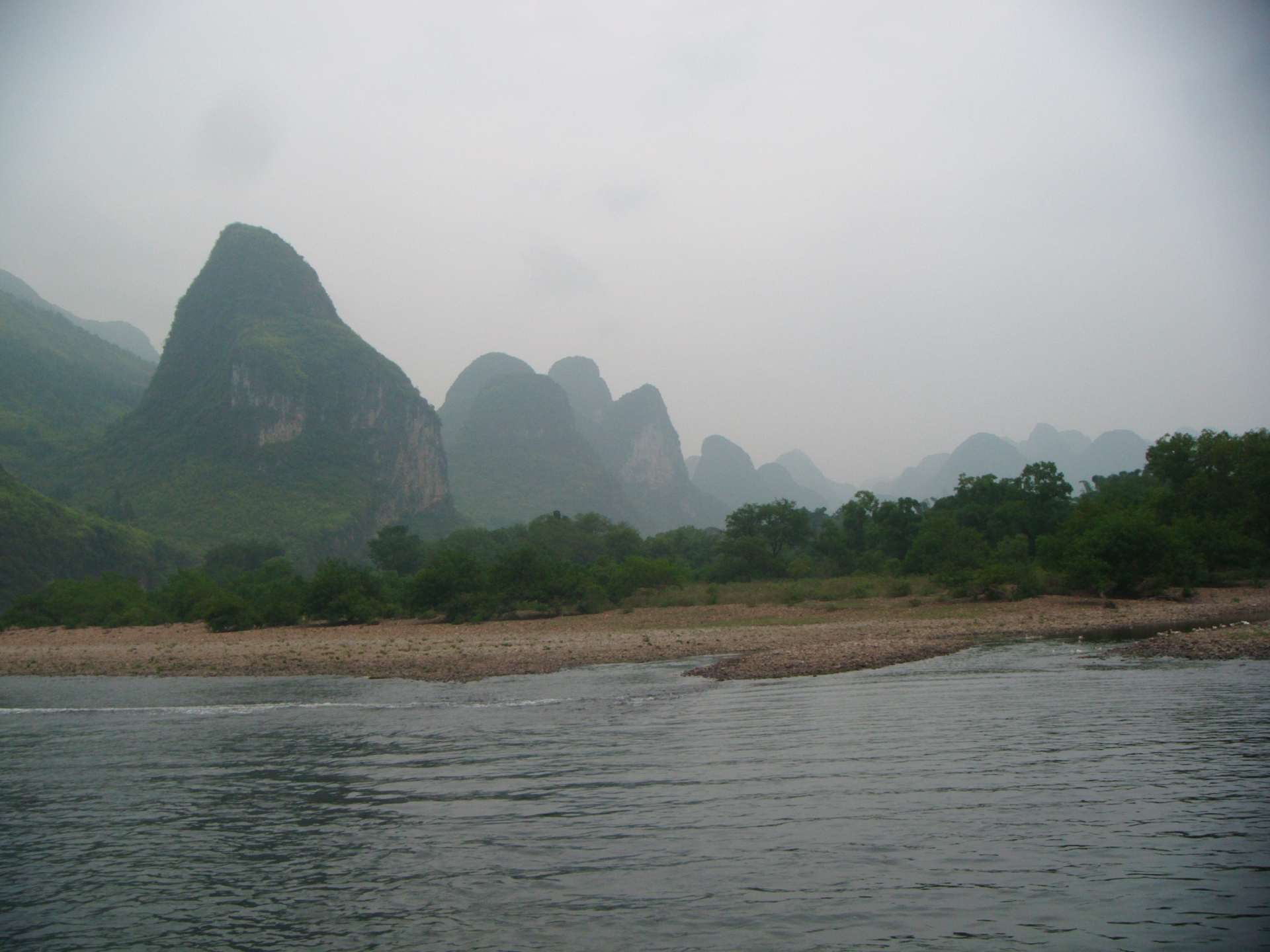 Li-river_ gravelly bar