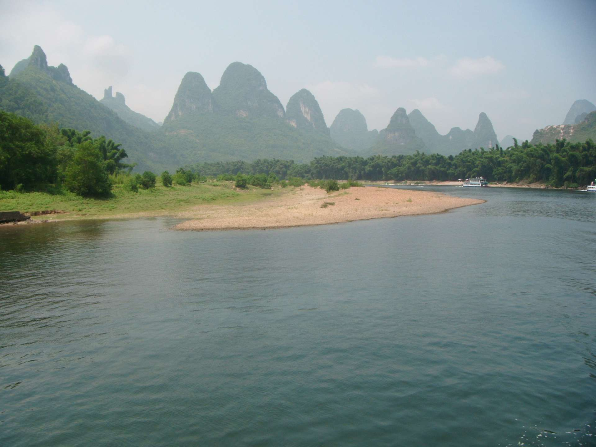 Li-river_gravelly-bar