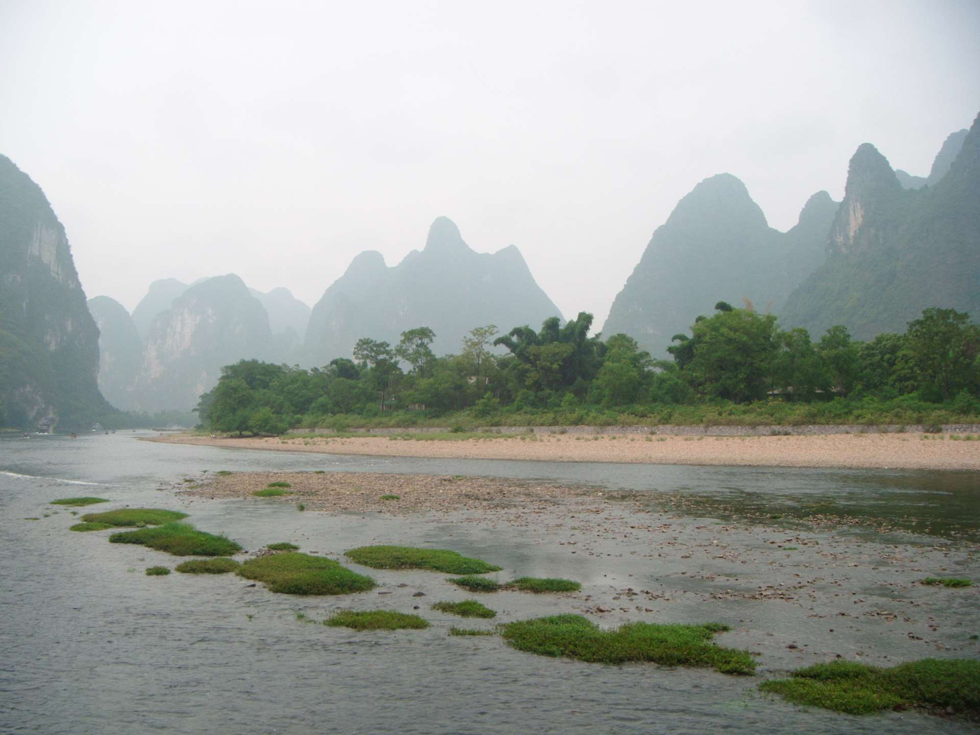 Li_River_gravelly_bar