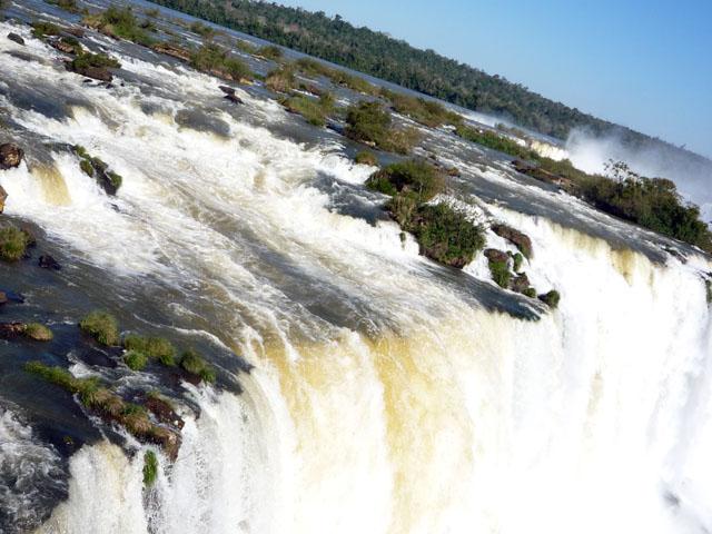 b_Iguazu_fall