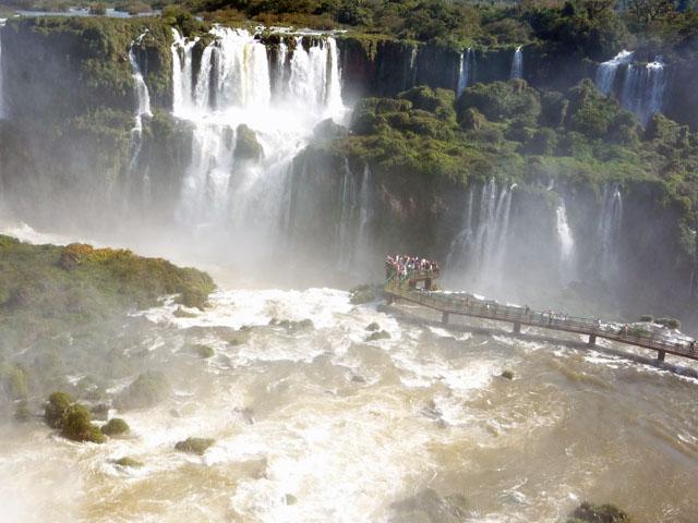 c_Iguazu_fall